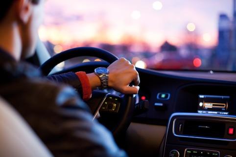driver-1149997_1920